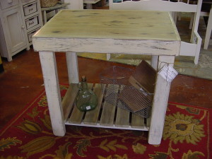 "24"" x 32"" Small OUTDOOR-INDOOR Table"