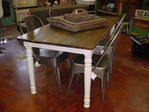 RUSTIC FARM HOUSE TABLE