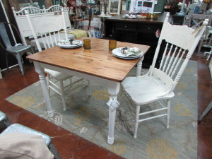 HARVEST FARMHOUSE TABLE w/ MATCHING CHAIRS