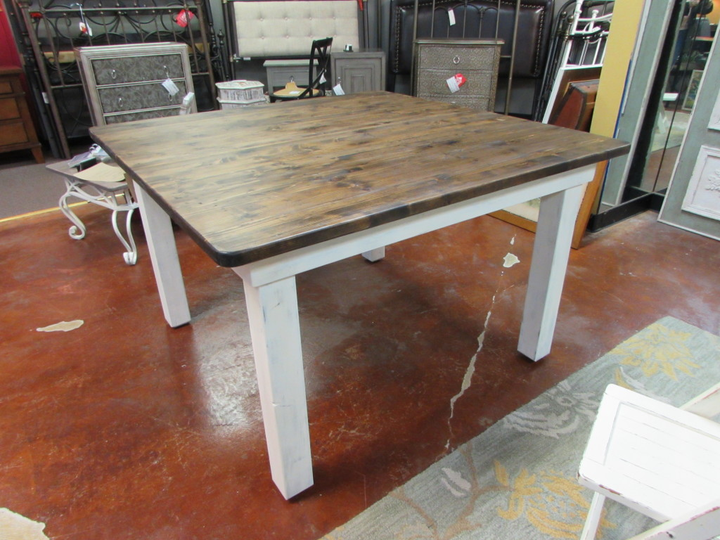 "48"" DISTRESSED SQUARE FARM TABLE"
