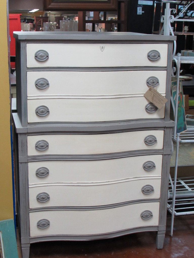 CHEST ON CHEST of DRAWERS ( FIVE (5) DRAWERS)