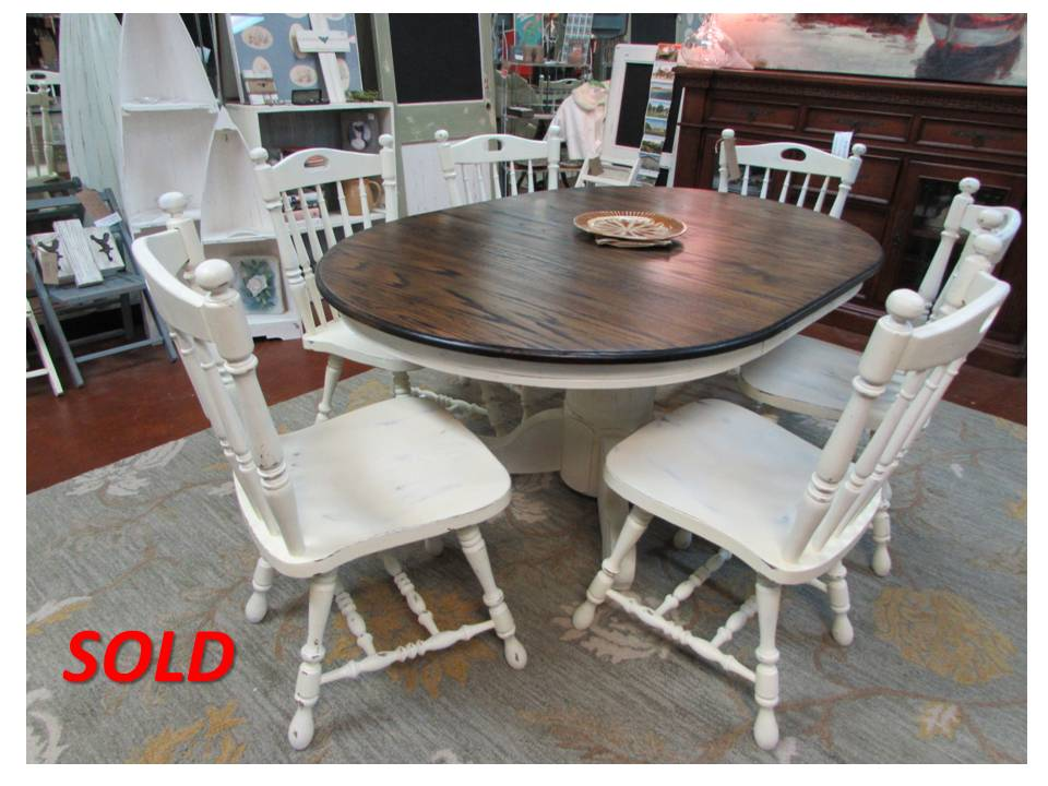 REFINISHED SOLID OAK PEDESTAL TABLE and MATCHING CHAIRS (42″ Round; 42″ x 62″Oval)
