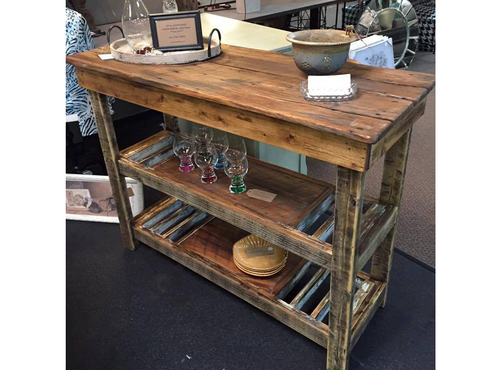 ANOTHER TENNESSEE 'BARNWOOD' WINE BAR BUFFET TABLE