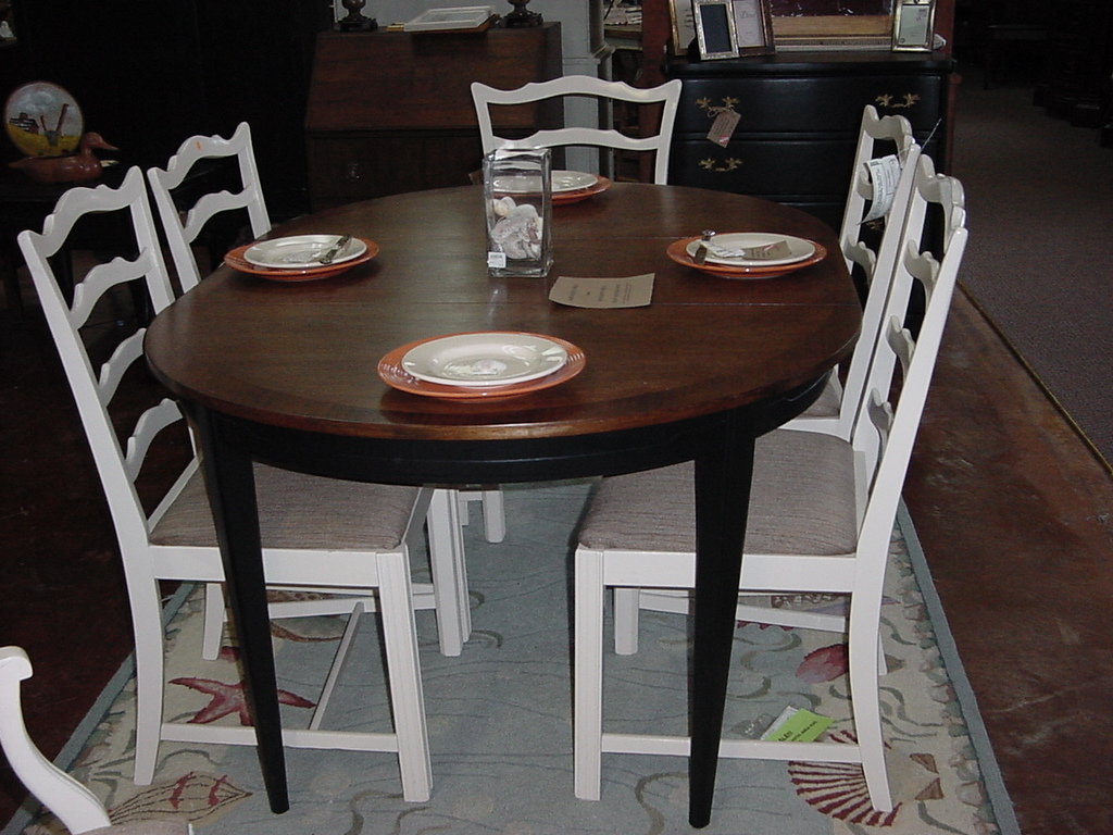 Refinished round drexel dining table w 2 leaves just fine tables - Refinished kitchen tables ...