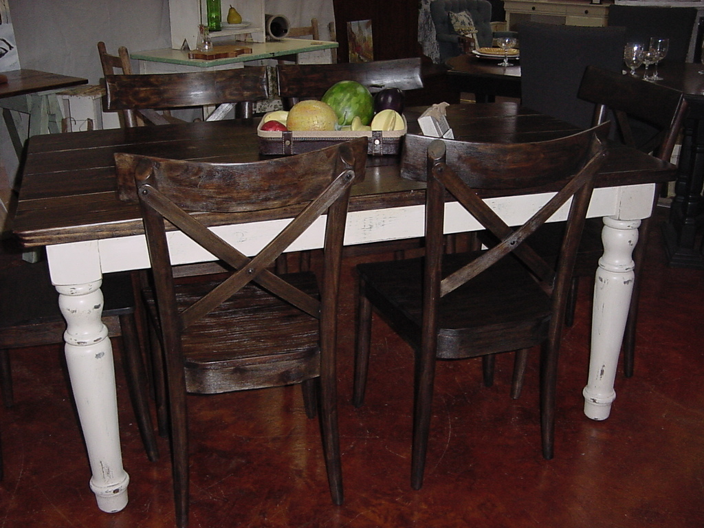 HANDMADE In America FARM TABLE With U201cOLD COUNTRY CHICu201d Legs