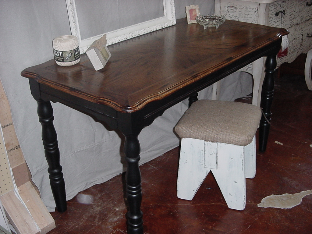 Stained Patterned Top Table Desk W Black Legs And Skirt