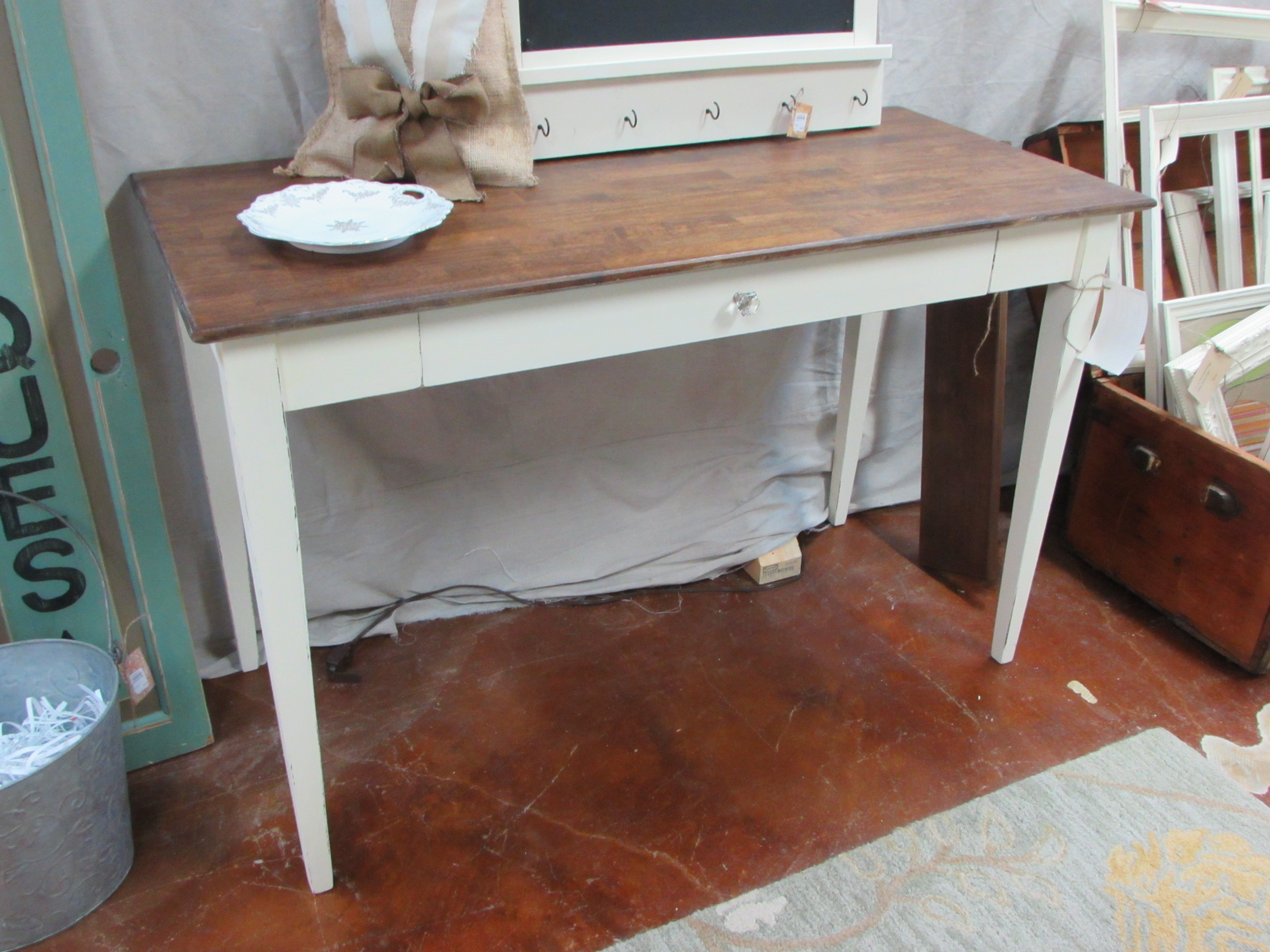 Harvest Farmhouse Farm Table with Matching Chairs